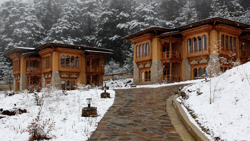Bhutan-Paro-Hotel-Naksel Resort-Buitenkant-Sneeuw