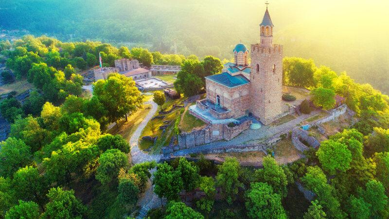 Bulgarije-Zonsopkomst-Tsarevets Fort in Veliko Tarnovo
