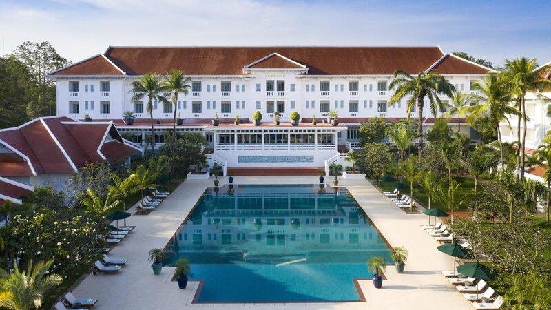 Cambodia-Siem-Reap-The-Raffles-Grand-Hotel-Angkor-zwembad2