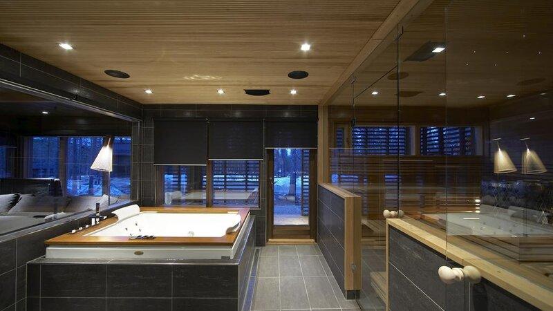Finland-Lapland-Levi-Spirit-Villas-sauna-hottub-privespa