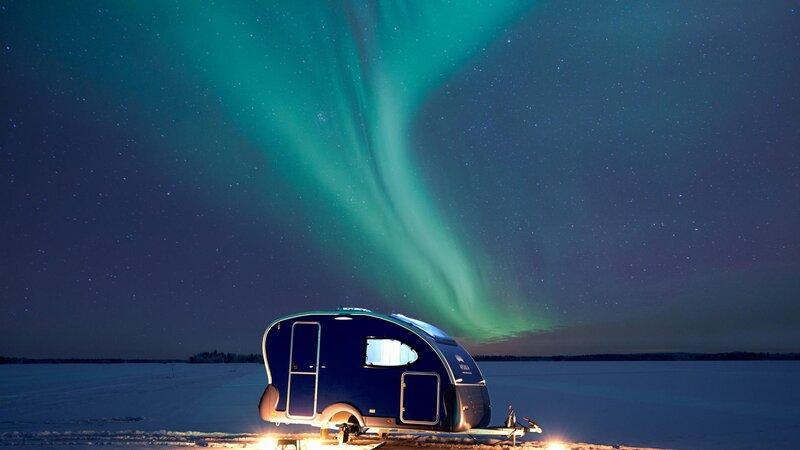 Finland-Lapland-Rovaniemi-Apukka-resort-aurora-wagon