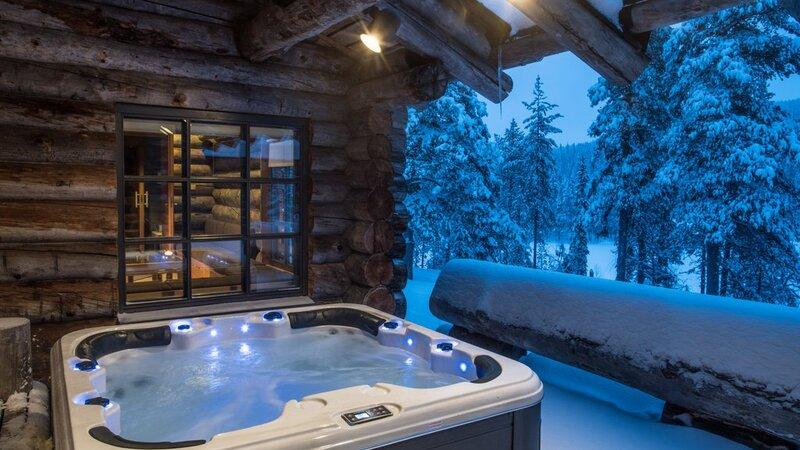 Finland-Lapland-Yllas-L7-Luxury-Lodge-jacuzzi