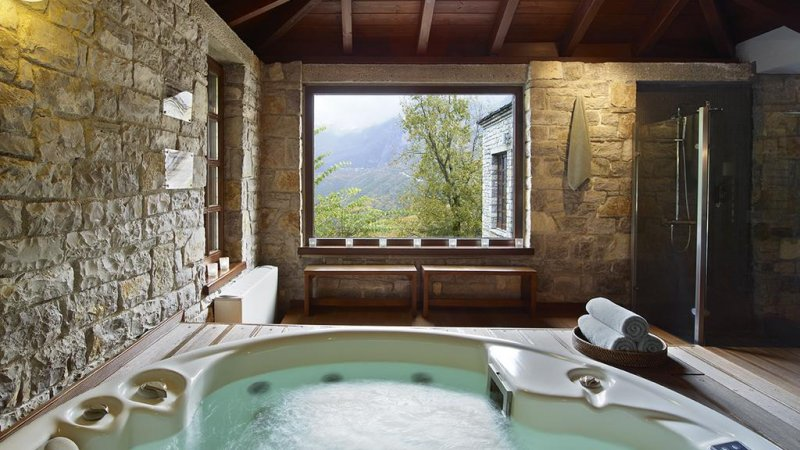 Griekenland-Epirus-Aristi-Mountain-Resort-spa-jacuzzi
