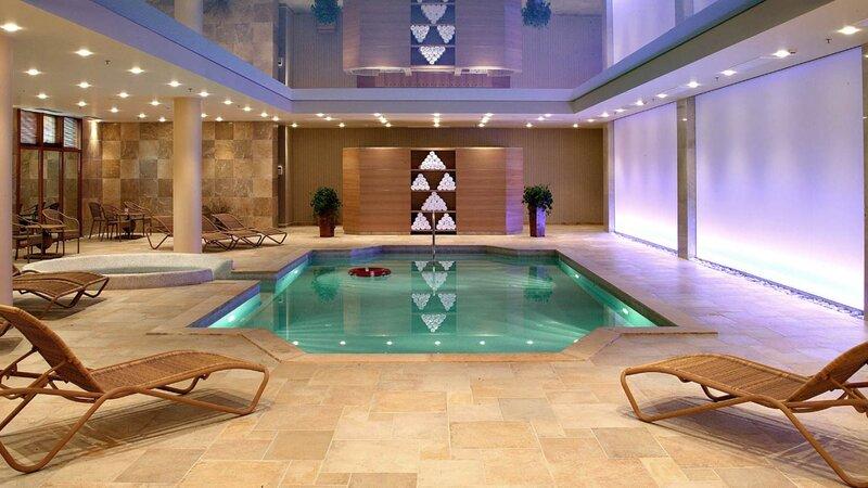 Griekenland-Meteora-Divani-Meteora-Hotel-binnen-zwembad