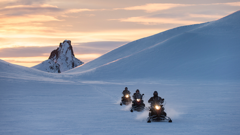 IJsland-Excursie-Snowmobile-on-Langjökull-Glacier-3
