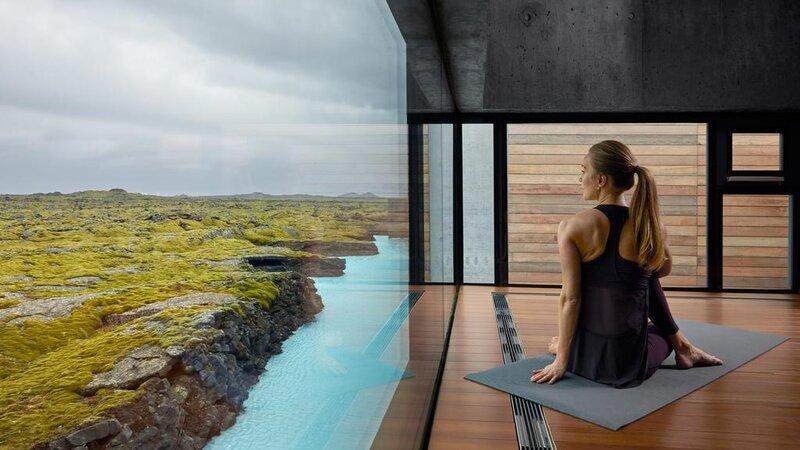 IJsland-Grindavík-The-Retreat-at-Blue-Lagoon-yoga