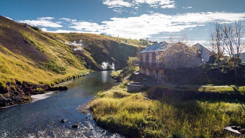 IJsland-Reykjadalur-Frost-and-Fire-Hotel-1