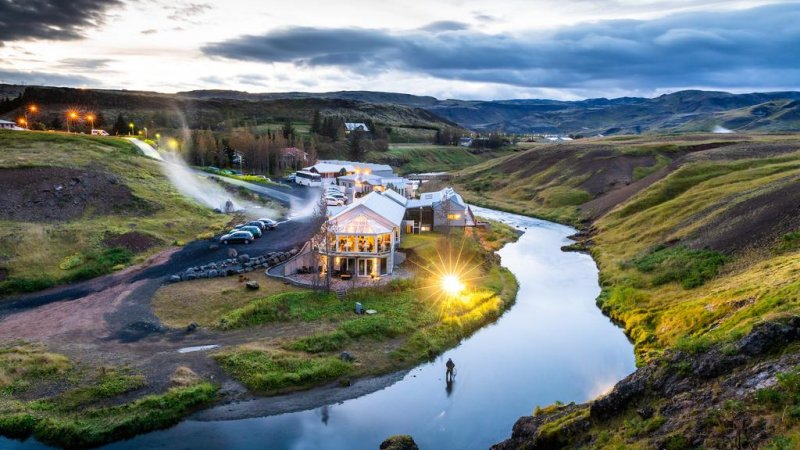 IJsland-Reykjadalur-Frost-and-Fire-Hotel