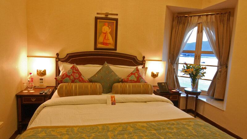 India-Udaipur-Fateh Prakash Palace2