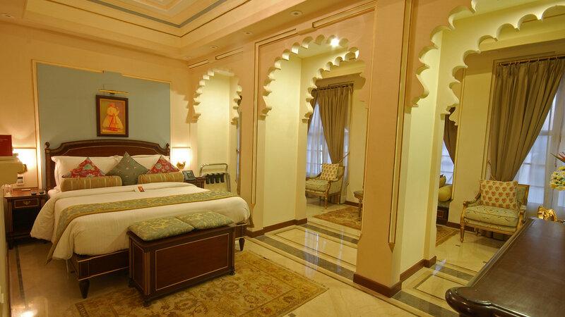 India-Udaipur-Fateh Prakash Palace3
