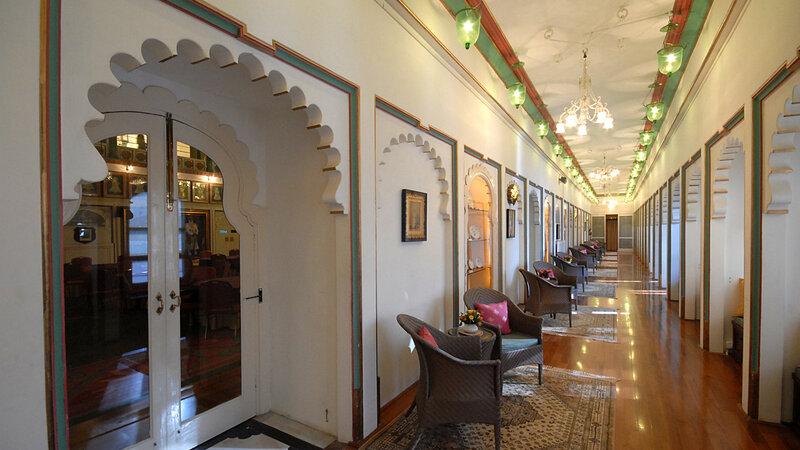 India-Udaipur-Fateh Prakash Palace7