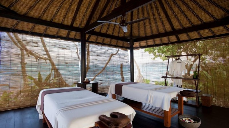 Indonesie-Candidasa-Alila-Manggis-massagebanken