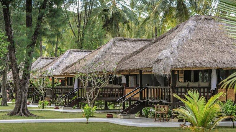 Indonesië-Lombok-Gili-Trawang-Pondok-Santi-Estate-hutjes-tuin
