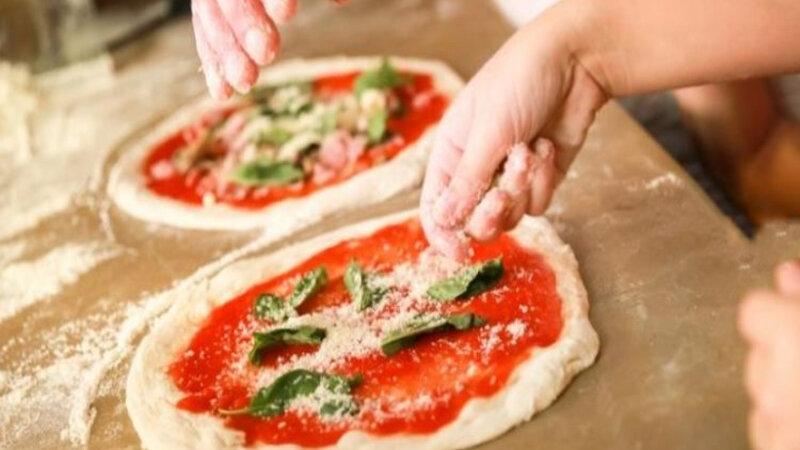 Italië-Napels-Excursie-Streetfood-tour-pizza-2