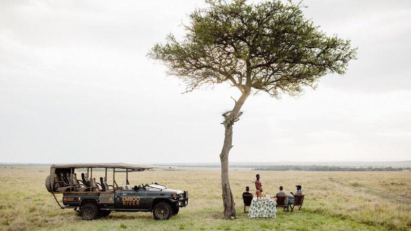 Kenia-Masai Mara-Emboo River Camp-apero in de bush-min