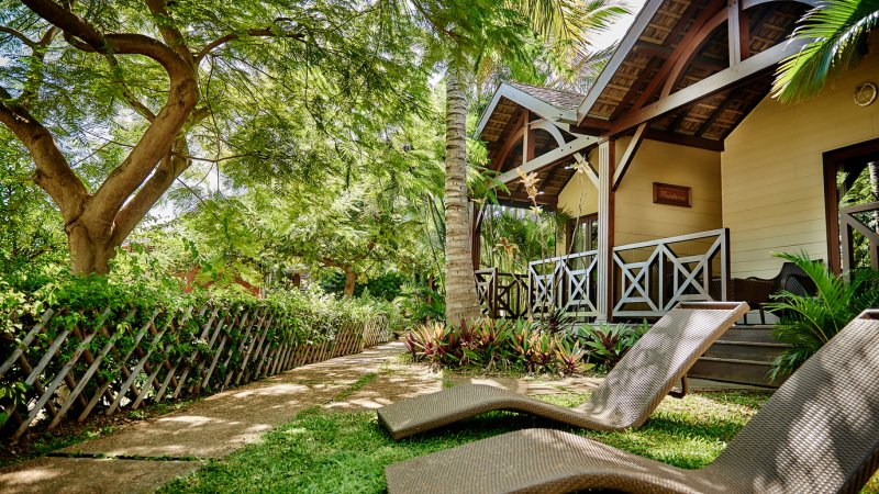 La-Reunion-westkust-iloha-seaview-hotel-tropische-bungalow-terras