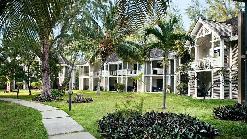 La-Reunion-westkust-Lux-Saint-Gilles-buitenaanzicht-kamers