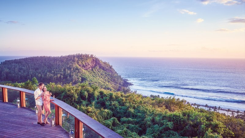 La-Reunion-zuiden-Palm-Hotel-and-Spa-uitzicht-zee-koppel