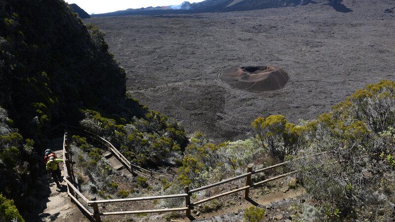 La-Reunion-zuidkust-wandeling-piton-de-la-fournaise-CREDIT-IRT-serge-gelabert