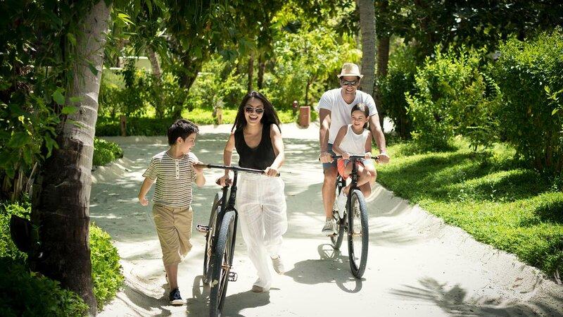 Malediven-Anantara-Dhigu-fietsen-familie