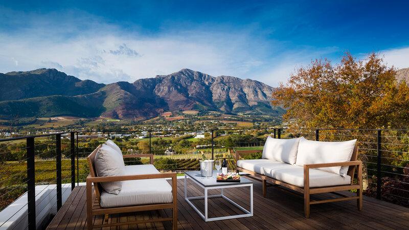 manor-house-loft-suite-terrace