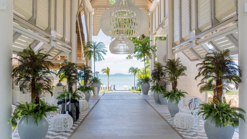 Mauritius-Lux-Grand-Gaube-hotel-gang