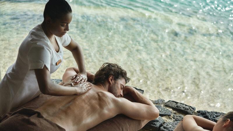 Mauritius-noorden-Paradise-Cove-Hotel-koppel-massage-2