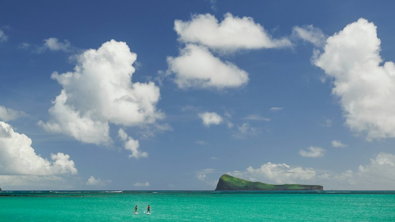 Mauritius-noorden-Paradise-Cove-Hotel-koppel-stand-up-paddle