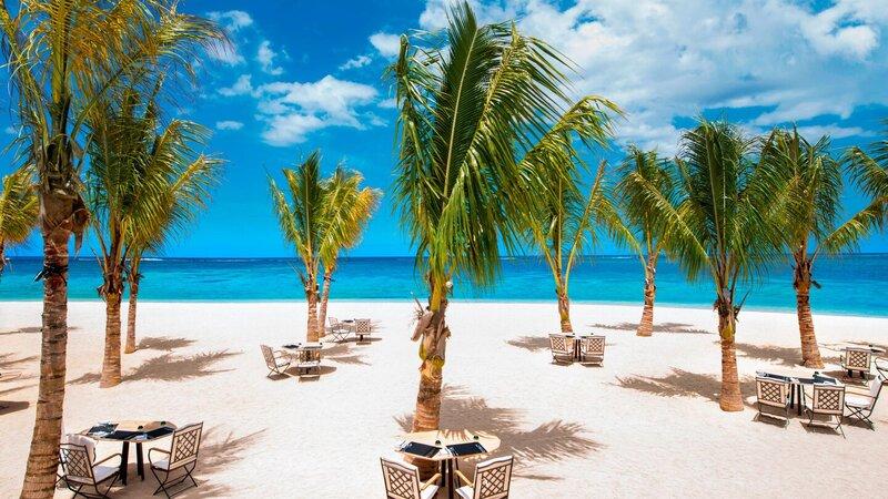 Mauritius-St-Regis-hotel-beach