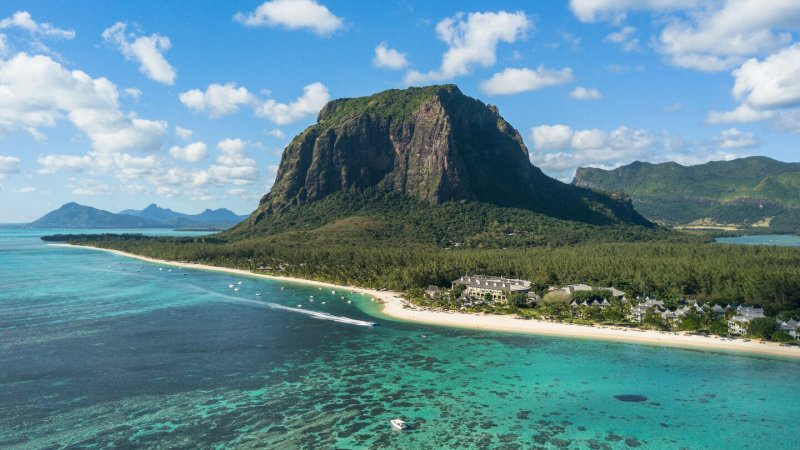 Mauritius-St-Regis-hotel-luchtfoto
