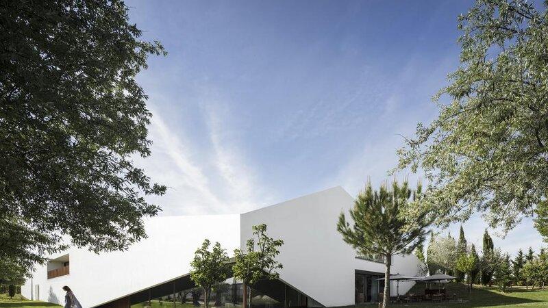 Portugal-Alentejo-Hotel-L-And-Vineyard-hotel-gebouw