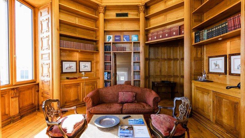 Portugal-Cascais-Hotel-The-Albatroz-Hotel-bibliotheek