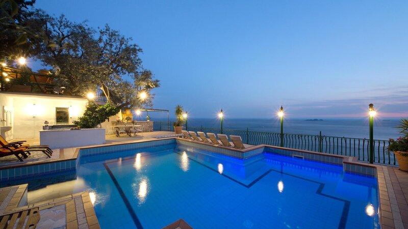 Positano-villa-lacia-zwembad