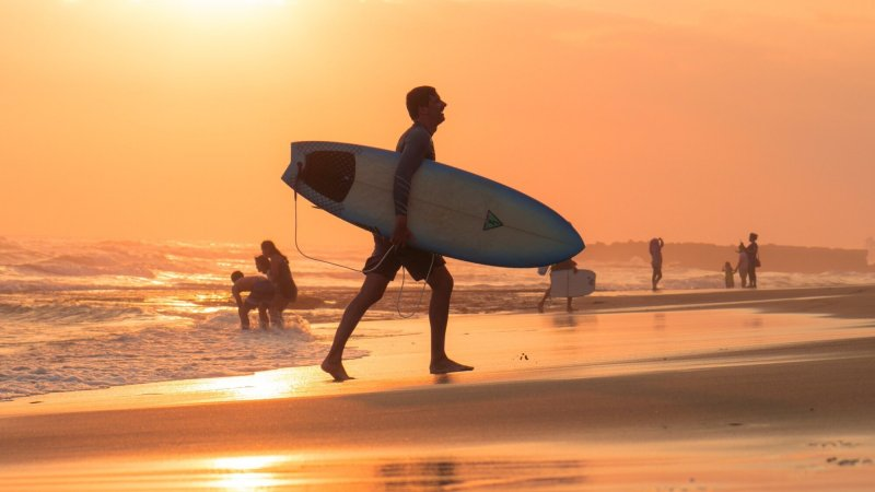 rsz_indonesië-bali-de-zuidkust-canggu-surfer