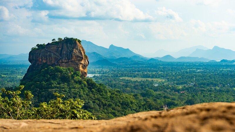rsz_sri-lanka-culturele-driehoek-excursie-beklimming-pidurangala-rock_4