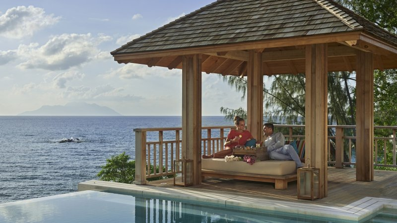Seychellen-Mahe-Hilton-Northolme-Resort-&-Spa-koppel-cabana-zwembad