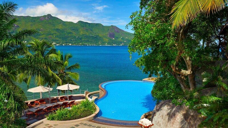 Seychellen-Mahe-Hilton-Northolme-Resort-&-Spa-zwembad