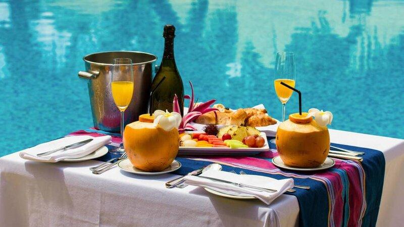 Seychellen-Private-eilanden-Alphonse-Island-sfeerbeeld-champagne-ontbijt