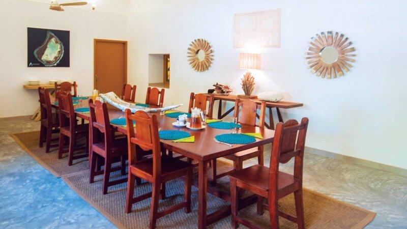 Seychellen-Private-Eilanden-Astove-Coral-House-tafel