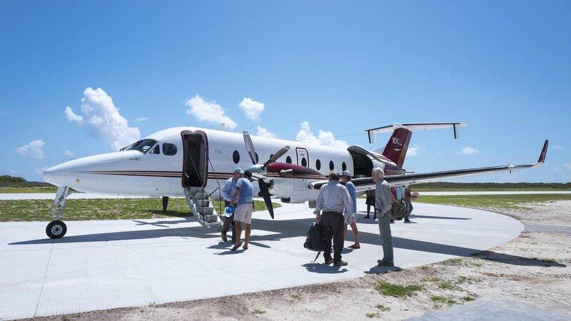 Seychellen-Private-Eilanden-Astove-Coral-House-vliegtuigje