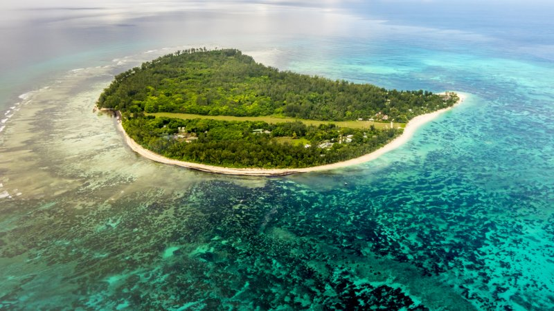 Seychellen-Private-Eilanden-Denis-Private-Island-luchtfoto-eiland