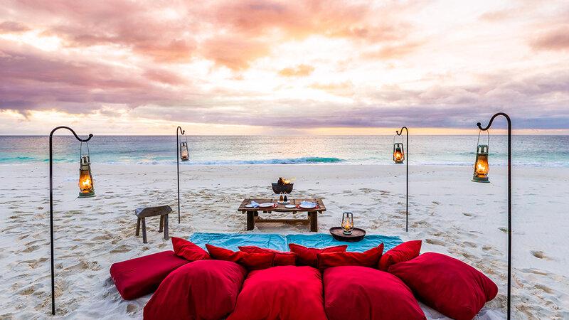 Seychellen-Private-eilanden-North-Island-romantisch-picknick-set-up-strand