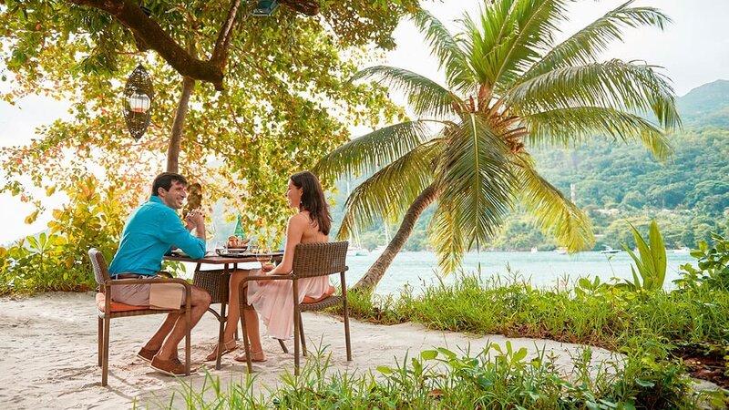 Seychelles-Mahé-Constance-Ephelia-Resort-koppel-Cyann-Restaurant