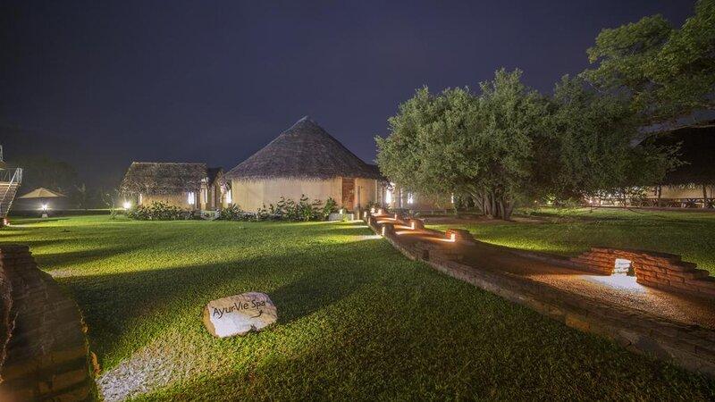 Sigiriya-Aliya-resort-hutjes