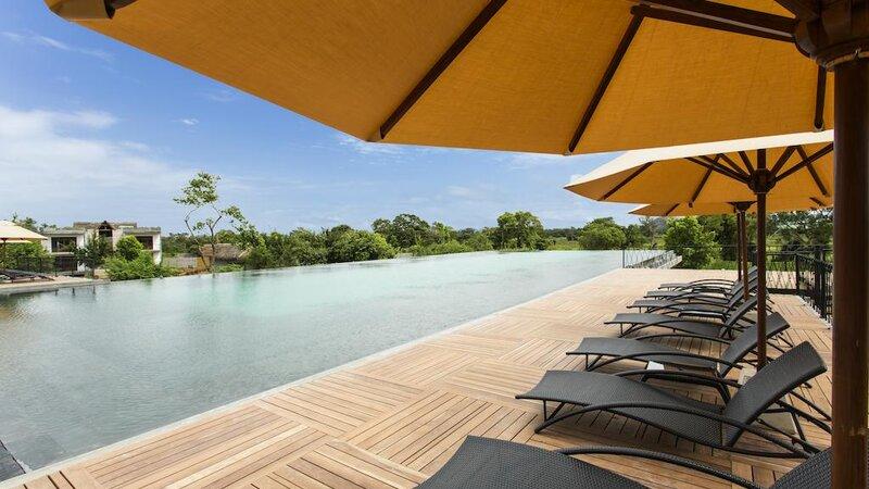Sigiriya-Aliya-resort-zwembad2