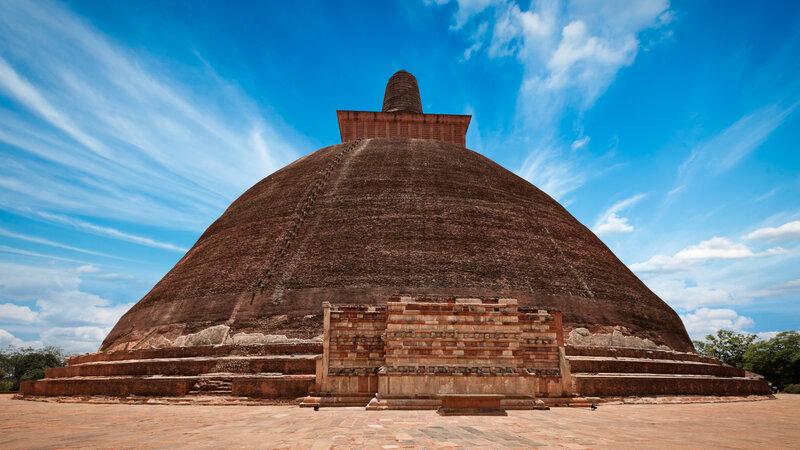 Sri-Lanka-Culturele-Driehoek-Excursie-Anuradhapura-per-mountainbike1