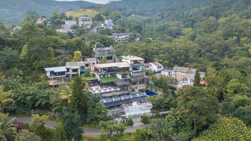 Sri-Lanka-Kandy-Hotel-Theva-Residency-luchtfoto