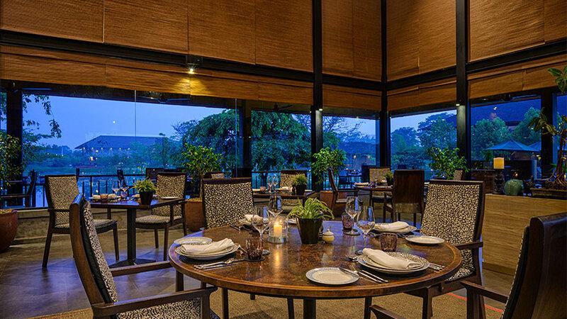 Sri-Lanka-Sigiriya-Hotel-Water-Garden-restaurant