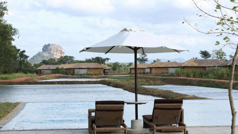 Sri-Lanka-Sigiriya-Hotel-Water-Garden-zwembad3