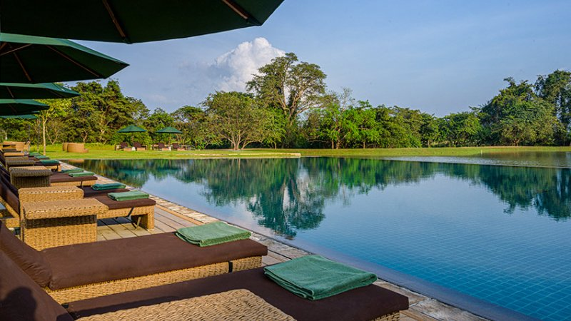 Sri-Lanka-Sigiriya-Hotel-Water-Garden-zwembad4